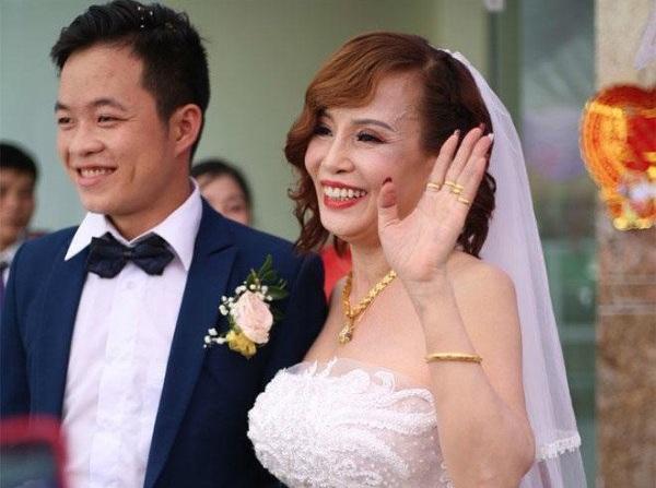 Cô dâu 65 tuổi đã có 5 con kết hôn với chú rể ngoại quốc 24 tuổi gây 'sốc' mạng xã hội - Ảnh 3
