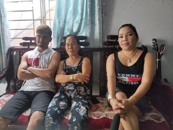 Cô dâu 65 tuổi lấy chồng ngoại 24 tuổi: Từng suy sụp vì những lời mỉa mai cay độc - Ảnh 1