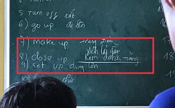 """Lên bảng làm bài tập tiếng Anh, nam sinh """"đứng hình"""" vì quên sạch kiến thức, câu trả khiến cả lớp bật cười - Ảnh 1"""