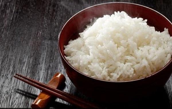 """7 sai lầm khi ăn cơm khiến rước đủ bệnh vào người, dừng lại ngay kẻo """"hối không kịp"""" - Ảnh 1"""