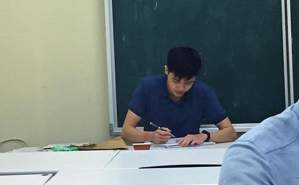 Đi thi gặp thầy giám thị thế này, bảo sao học sinh không thể tập trung làm bài được - Ảnh 2