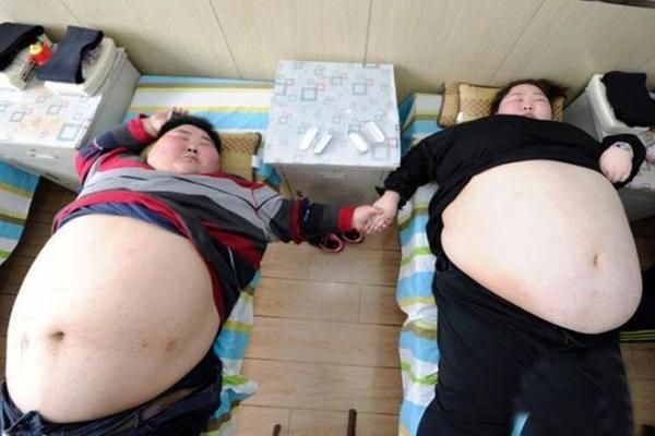Cặp đôi kết duyên vì muốn cùng nhau giảm cân, thành quả sau vài năm khiến ai cũng giật mình - Ảnh 1