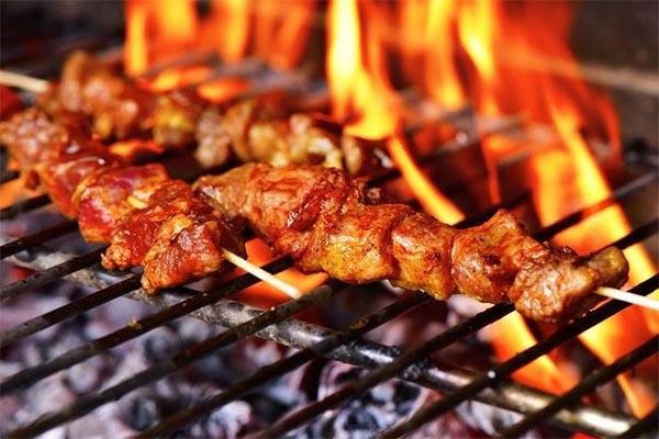 Ăn thịt lợn kiểu này chẳng khác nào nạp chất độc vào người, 90% người Việt đang mắc phải - Ảnh 1