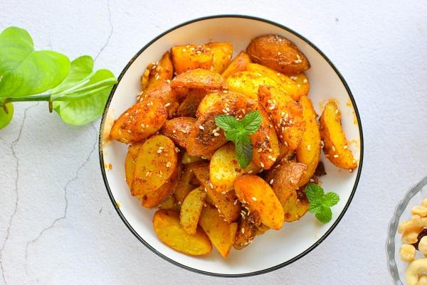 """Thêm một cách chế biến khoai tây cực ngon, ăn cơm hay ăn vặt đều hết trong """"1 nốt nhạc"""" - Ảnh 5"""