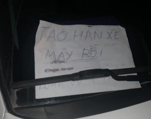 """Đỗ xe kiểu 'trêu ngươi', lúc quay về tài xế """"tím mặt"""" vì mảnh giấy nhắn và cảnh tượng trước mắt - Ảnh 2"""