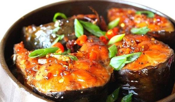 Đầu bếp nổi tiếng tiết lộ bí quyết kho cá chắc thịt, không sợ tanh, tham khảo ngay - Ảnh 3