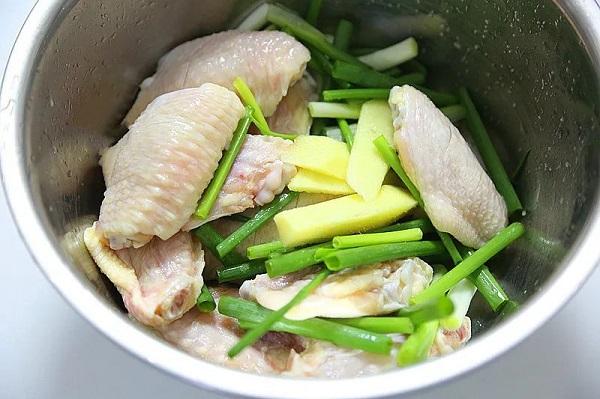 Không cần dầu ăn bạn vẫn làm được món cánh gà giòn tan, thơm phức khiến cả nhà bất ngờ - Ảnh 2