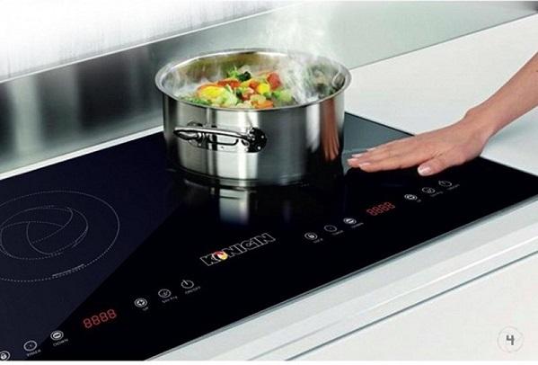 Vô tình làm 6 điều này khi nấu ăn tiền điện bỗng tăng gấp đôi - Ảnh 1