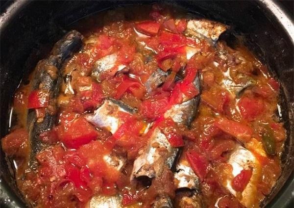 Cá nục đem kho với nước của quả này hết mùi tanh, ngon không tưởng - Ảnh 2