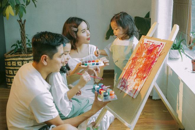 Lưu Hương Giang bất ngờ khoe ảnh 2 con gái lớn nhanh tới mức không nhận ra - Ảnh 1
