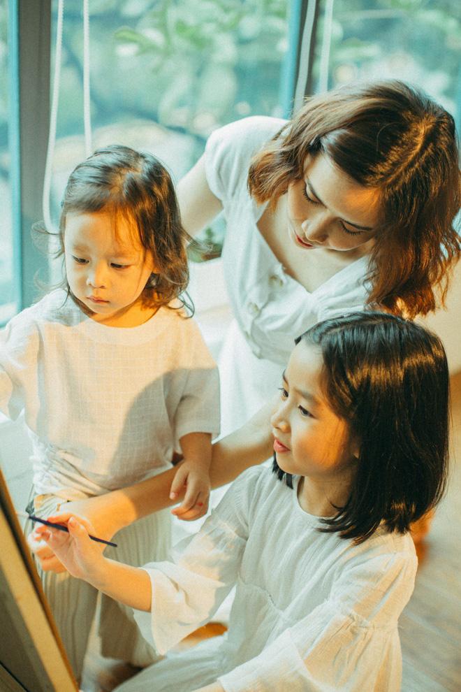 Lưu Hương Giang bất ngờ khoe ảnh 2 con gái lớn nhanh tới mức không nhận ra - Ảnh 5