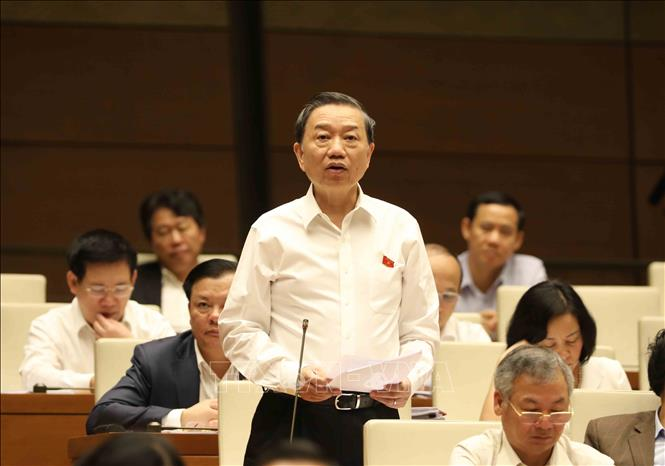 Chủ tịch Quốc hội: Quy định nào chưa hợp lý phải sửa cho dân nhờ - Ảnh 2