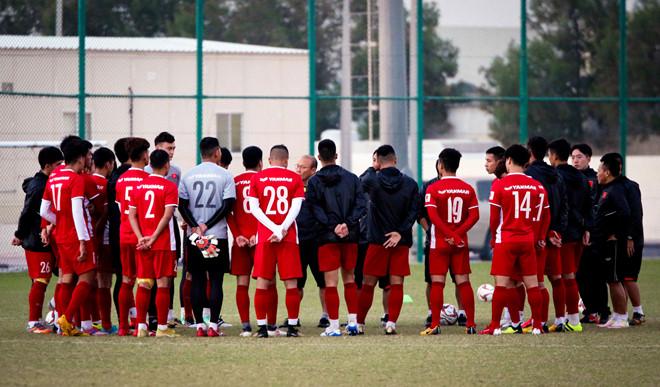 Người hâm mộ bóng đá Việt Nam nhận tin cực buồn trước trận gặp Philippines - Ảnh 1