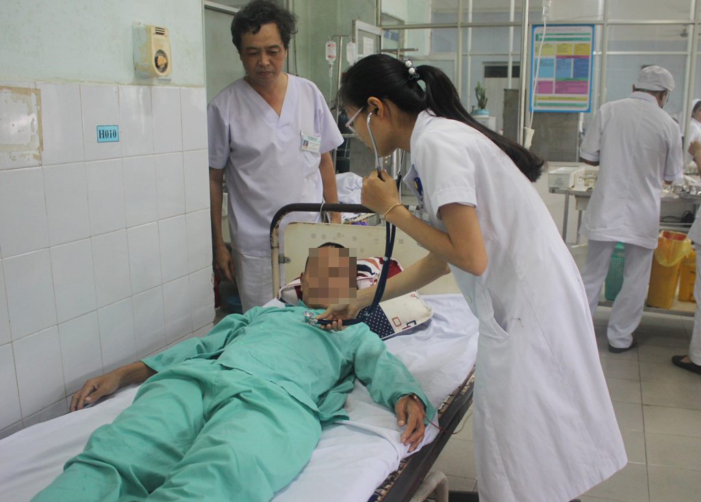 Quảng Nam: Gắp thành công lưỡi câu nằm trong phổi của bệnh nhân tâm thần - Ảnh 2