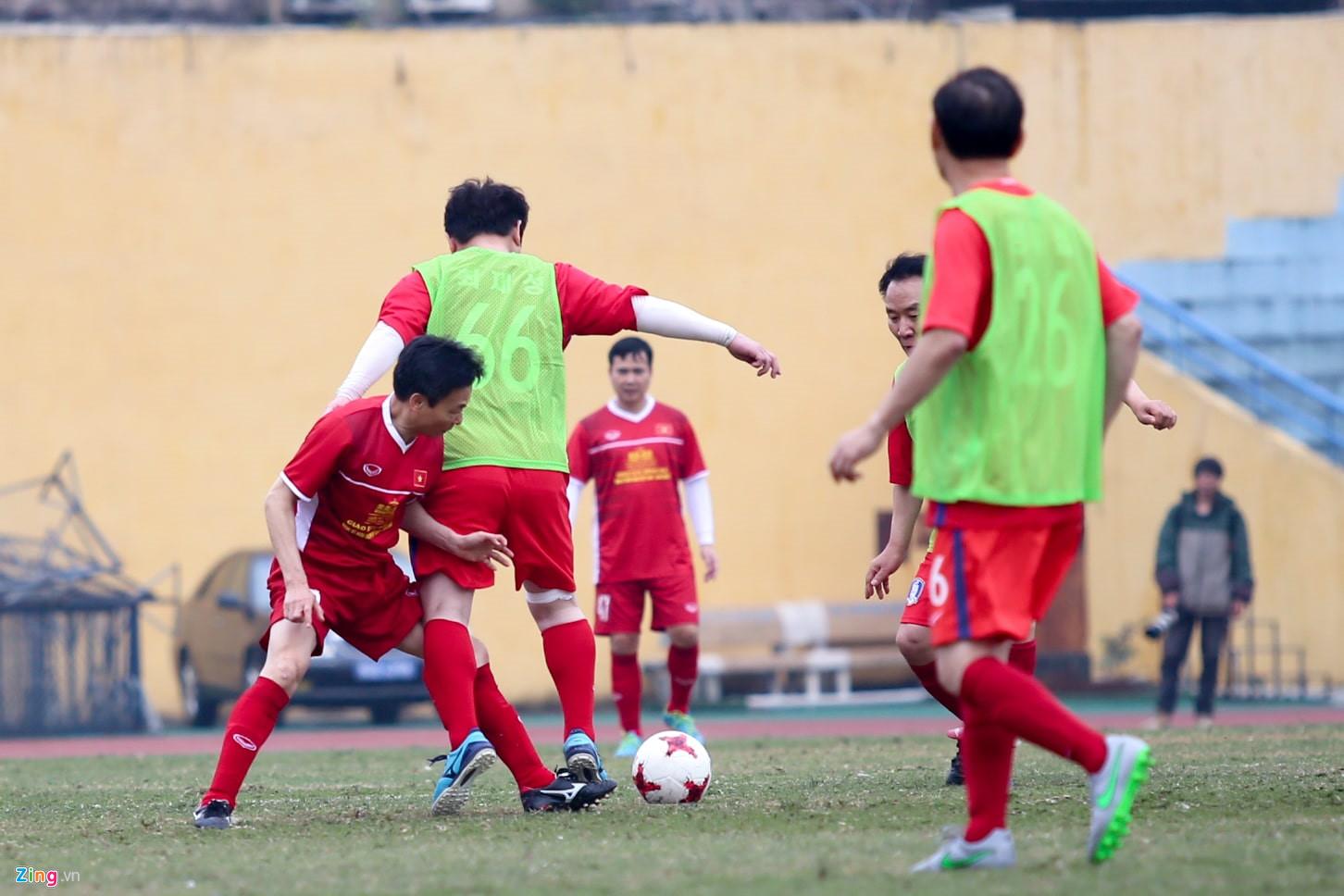Phó Thủ tướng Vũ Đức Đam ghi 2 bàn trong trận bóng giao hữu với nghị sĩ Hàn Quốc - Ảnh 3
