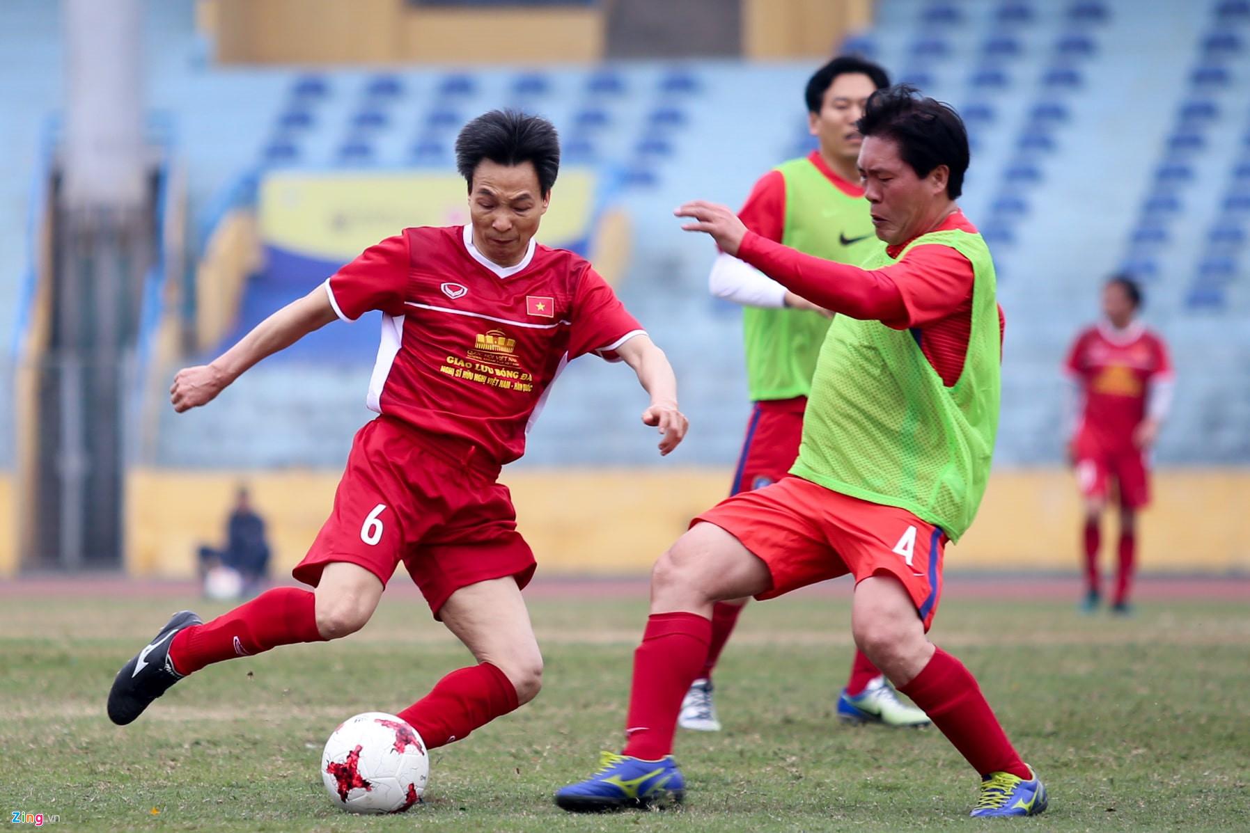 Phó Thủ tướng Vũ Đức Đam ghi 2 bàn trong trận bóng giao hữu với nghị sĩ Hàn Quốc - Ảnh 4