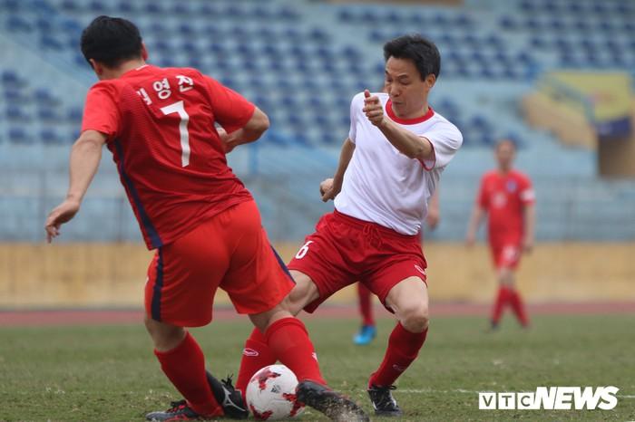 Phó Thủ tướng Vũ Đức Đam ghi 2 bàn trong trận bóng giao hữu với nghị sĩ Hàn Quốc - Ảnh 6