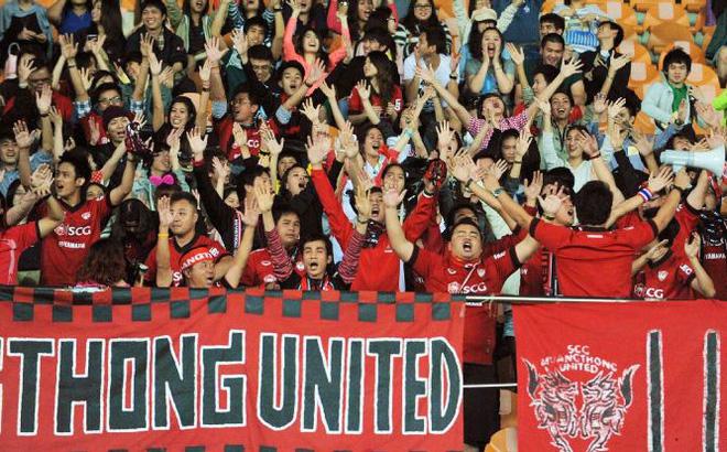 CLB Muangthong United không tiếc tiền chiêu mộ thủ môn Đặng Văn Lâm giàu tới cỡ nào? - Ảnh 2