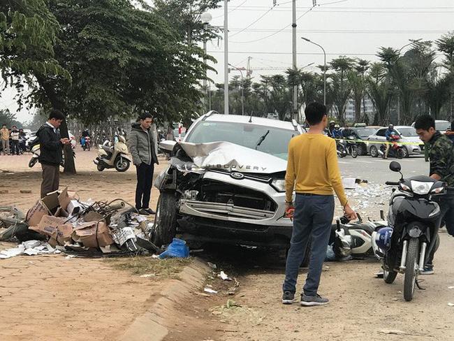 Xác định danh tính nạn nhân trong vụ tai nạn liên hoàn ở Hà Đông - Ảnh 1
