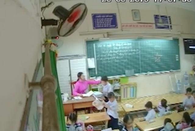 Vụ cô giáo véo tai, đánh liên tiếp học sinh: Phụ huynh lên kế hoạch đặt camera bí mật ghi lại bằng chứng - Ảnh 1