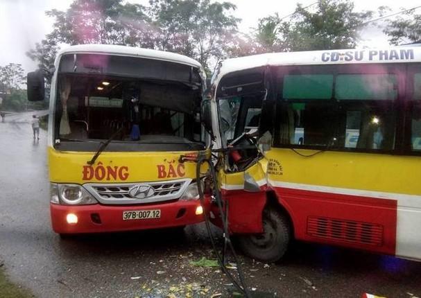 Quyền lực ngầm xe buýt xuống cấp thách thức giao thông xứ Nghệ - Ảnh 1