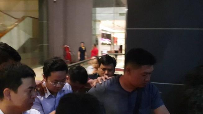 Vụ phó chánh án nghi xâm phạm chỗ ở người khác: Khám xét nhà giảng viên Lâm Hoàng Tùng - Ảnh 2