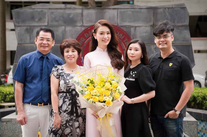 9X xinh đẹp lọt top 10 Hoa hậu Việt Nam 2016 tốt nghiệp xuất sắc ĐH Ngoại thương - Ảnh 1