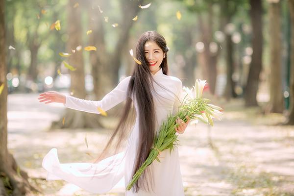 """""""Công chúa tóc mây"""" phiên bản Việt và thành tích viết lách khiến nhiều người ngưỡng mộ - Ảnh 4"""