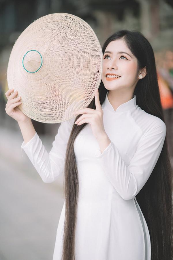 """""""Công chúa tóc mây"""" phiên bản Việt và thành tích viết lách khiến nhiều người ngưỡng mộ - Ảnh 2"""