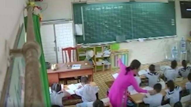 Sở GD-ĐT TP.HCM: Cho ra khỏi ngành giáo viên véo tai, đánh chửi học sinh  - Ảnh 1