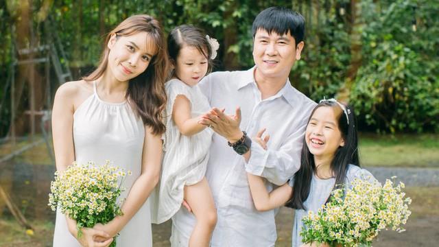 """Loạt sơ hở """"tố"""" Lưu Hương Giang và Hồ Hoài Anh rạn nứt trước tin ly hôn - Ảnh 3"""