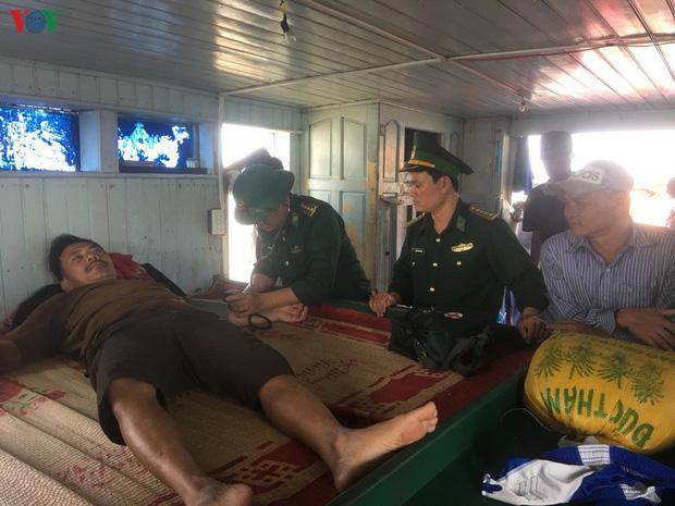 Cháy tàu cá trên vùng biển Quảng Trị, 7 thuyền viên nhảy xuống biển thoát thân - Ảnh 2