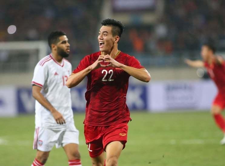 Đội tuyển Việt Nam bỏ xa đội tuyển Thái Lan 20 bậc trên BXH FIFA - Ảnh 1