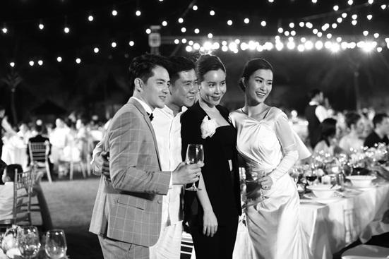 """Đông Nhi tung bộ ảnh nét căng, quậy tưng bừng trong """"siêu đám cưới"""" ở Phú Quốc - Ảnh 9"""