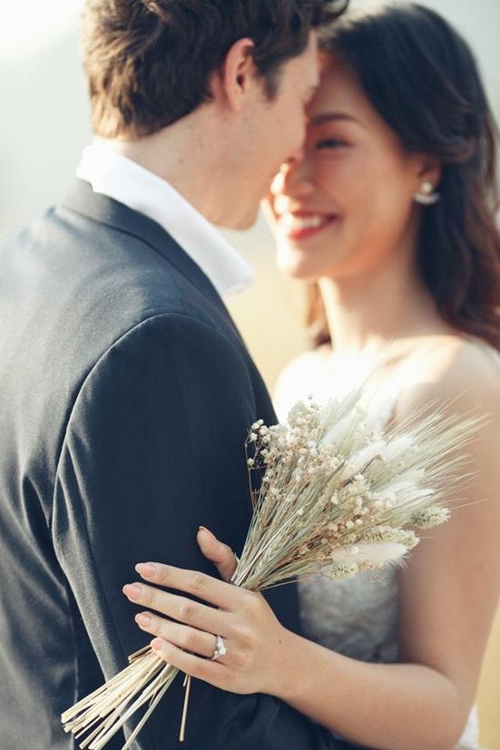 """Á hậu Hoàng Oanh tung bộ ảnh """"đẹp nín thở"""" trước khi lên xe hoa - Ảnh 2"""
