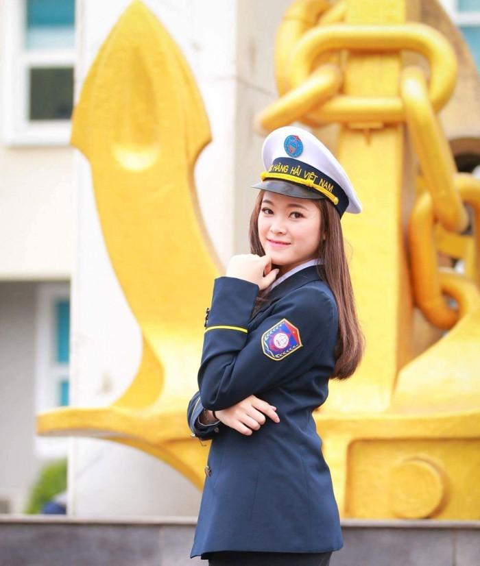 Chiêm ngưỡng vẻ đẹp lịch lãm, mê hoặc của bộ đồng phục đẹp nhất Việt Nam - Ảnh 5