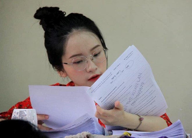 Cô giáo dạy tiếng Anh bị nhầm là học sinh cấp 2 vì sở hữu gương mặt trẻ thơ - Ảnh 3