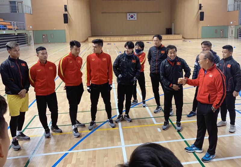 Ông Park giấu bài, U23 Việt Nam hòa với đội sinh viên Hàn Quốc - Ảnh 1