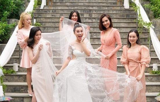 Ngắm vẻ đẹp hoàn mỹ của cô dâu Hoàng Oanh và chồng Tây trong ngày cưới - Ảnh 2