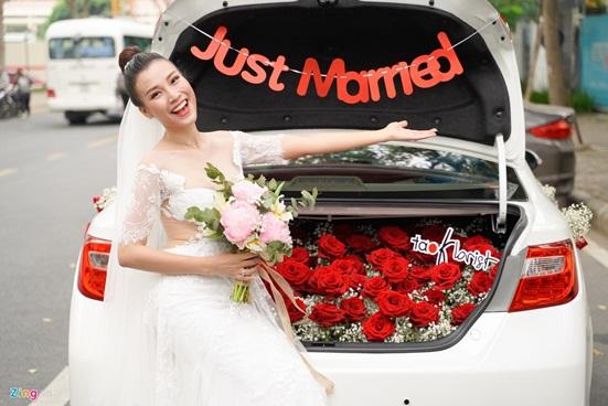Ngắm vẻ đẹp hoàn mỹ của cô dâu Hoàng Oanh và chồng Tây trong ngày cưới - Ảnh 5