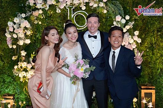 Ngắm vẻ đẹp hoàn mỹ của cô dâu Hoàng Oanh và chồng Tây trong ngày cưới - Ảnh 6