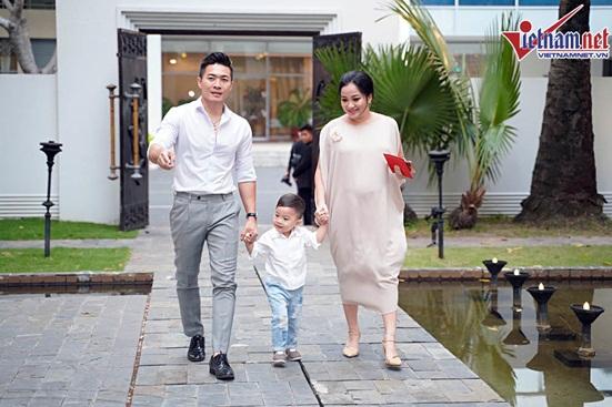 Ngắm vẻ đẹp hoàn mỹ của cô dâu Hoàng Oanh và chồng Tây trong ngày cưới - Ảnh 7