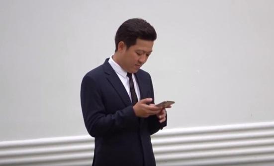 """Trường Giang chiếm sóng trong đám cưới Hoàng Oanh nhờ hành động """"cưng xỉu"""" với Nhã Phương - Ảnh 1"""