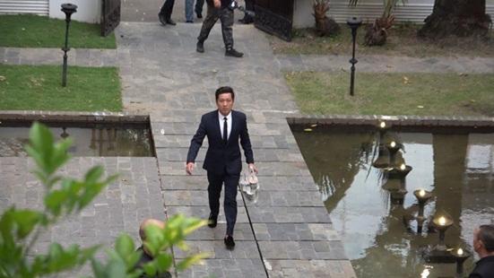"""Trường Giang chiếm sóng trong đám cưới Hoàng Oanh nhờ hành động """"cưng xỉu"""" với Nhã Phương - Ảnh 2"""