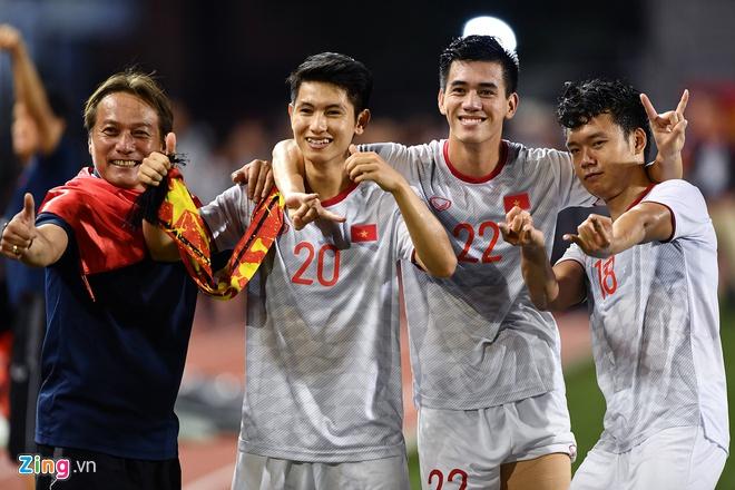 """Loạt cầu thủ U23 Việt Nam được ví như """"cực phẩm"""" nhờ sở hữu răng khểnh duyên dáng - Ảnh 1"""
