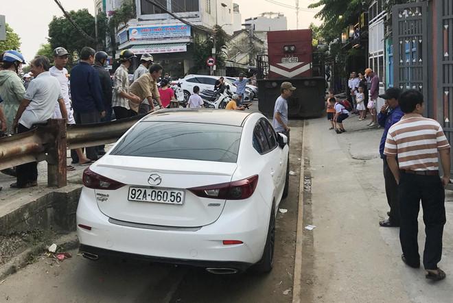 Tin tai nạn giao thông mới nhất ngày 21/3/2019: Tài xế xe tải bị bắt đền 250 triệu vì tông sập tiệm tóc - Ảnh 3