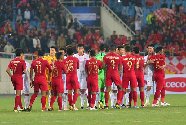 HLV U23 Indonesia bất ngờ tố U23 Việt Nam khiêu khích trước khi học trò của mình phạm lỗi - Ảnh 1