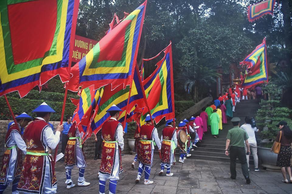 Chủ tịch Quốc hội Nguyễn Thị Kim Ngân dự lễ Dâng hương các Vua Hùng - Ảnh 2