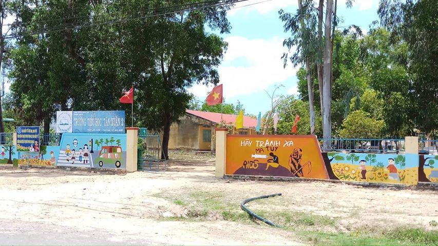 Bình Thuận: Thầy giáo thừa nhận hành vi dâm ô 5 nữ học sinh lớp 1 - Ảnh 1
