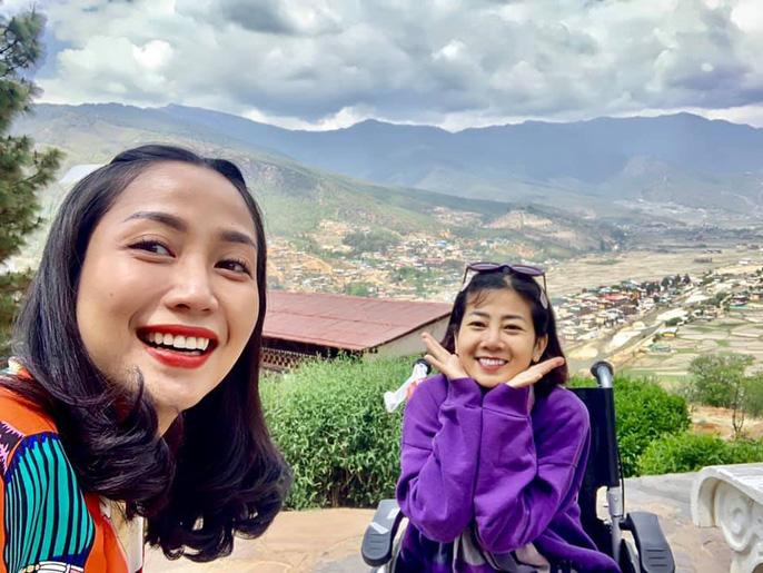 Diễn viên Mai Phương bật khóc khi chinh phục thành công đỉnh núi cao 3.000 m dù bị ung thư phổi - Ảnh 4